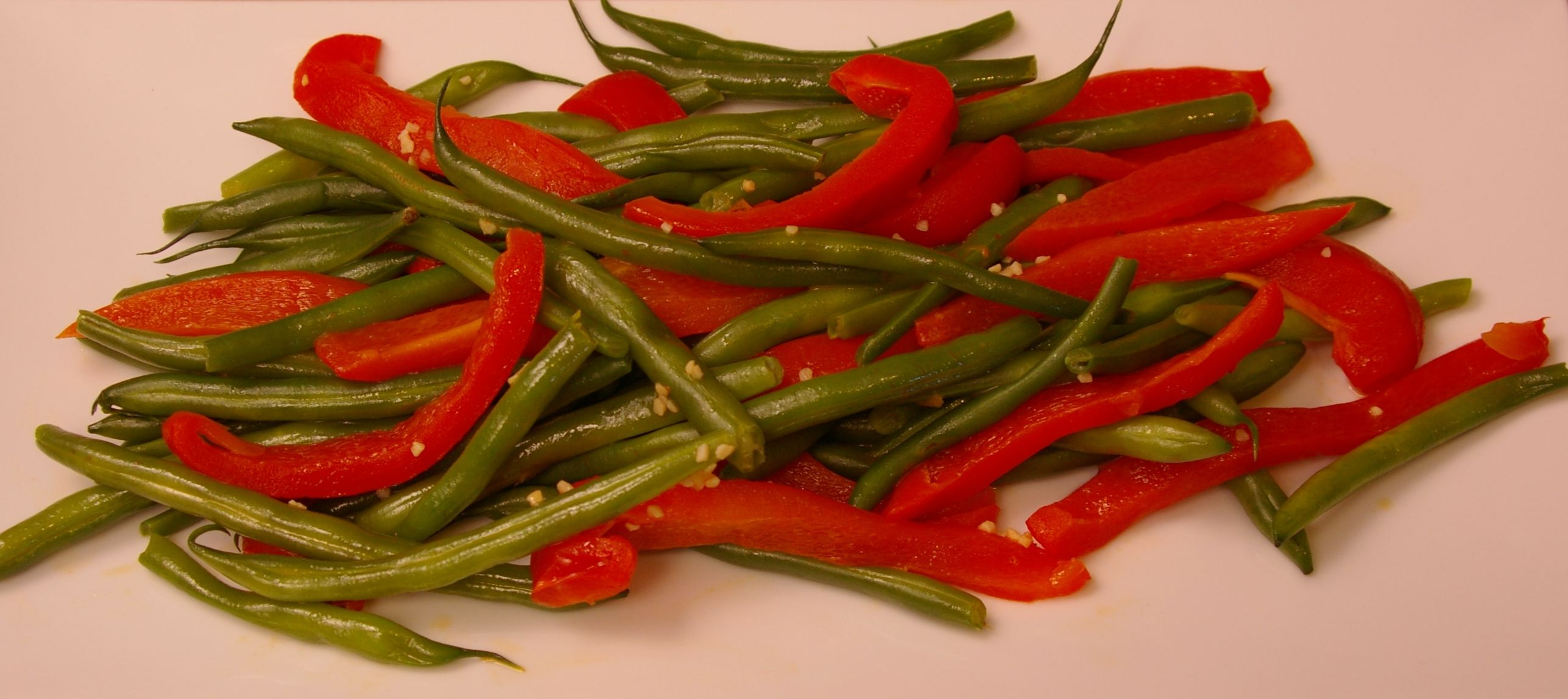 Green_Beans_with_Roasted_Red_Peppers